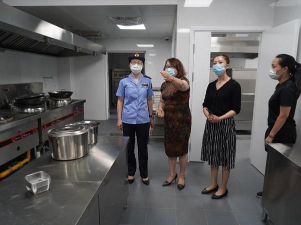 上海开展校园食品安全管大检查